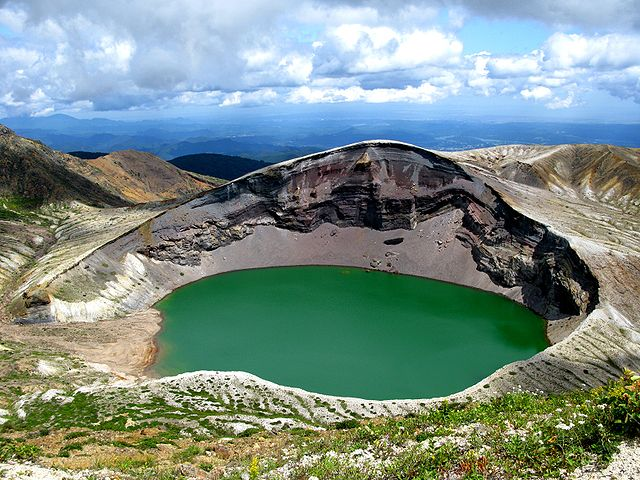 http://www.unmissablejapan.com/volcanoes/images/zao.jpg