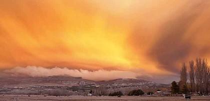 http://images.smh.com.au/2011/07/11/2485275/chile-volcano-420x0.jpg