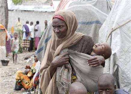 http://www.defenceweb.co.za/images/stories/JOINT/JOINT_NEW/Somalia/Somali_mother_refugee_400.jpg