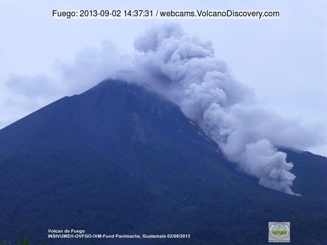 http://images.volcanodiscovery.com/uploads/pics/Fuego-2013-09-02-14-37-31.jpg