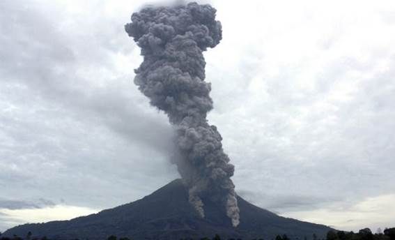http://d2yhexj5rb8c94.cloudfront.net/sites/default/files/styles/article_node_view/public/Indonesia%20Volcano_Kand%20(1)_0_0.jpg