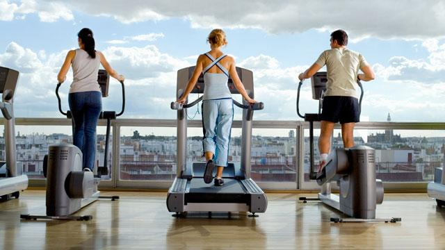 http://magazine.foxnews.com/sites/magazine.foxnews.com/files/styles/860_image/public/Treadmill%20vs.%20Elliptical%20What%E2%80%99s%20the%20Better%20Workout.jpg?itok=fQZrJSAO