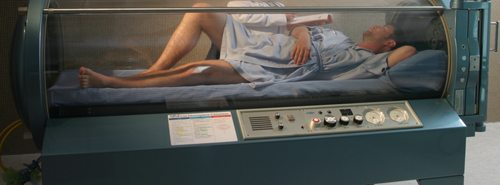 http://www.samuihospital.com/images/medical-services/hyperbaric-chamber.jpg