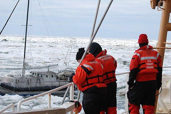 http://vortex.accuweather.com/adc2004/pub/includes/columns/climatechange/2015/590x396_03091407_sea-ice-rescue1.jpg