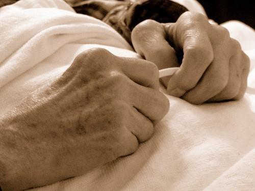 http://medcitynews.wpengine.netdna-cdn.com/wp-content/uploads/elderly-hands.jpg