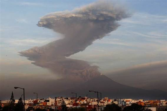 http://msnbcmedia2.msn.com/j/MSNBC/Components/Photo/_new/110603-mexico-volcano-815a.grid-8x2.jpg