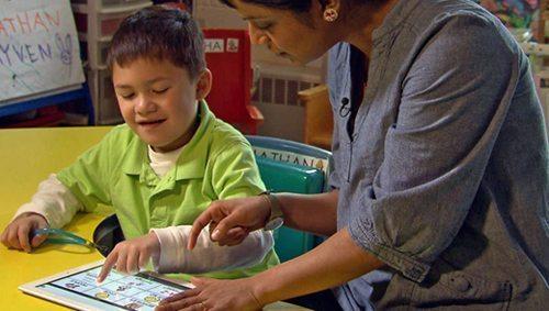 Descrição: http://i.i.com.com/cnwk.1d/i/tim/2011/10/22/Autism_Segment_620_620x350.jpg